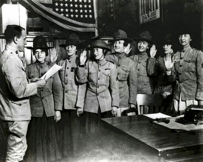 52 photos of women who changed history forever - Some of the first women sworn into US Marine Corps. [August, 1918]