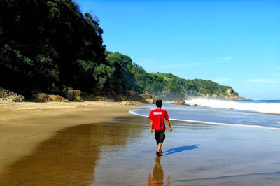 Pantai Umbul Waru Blitar