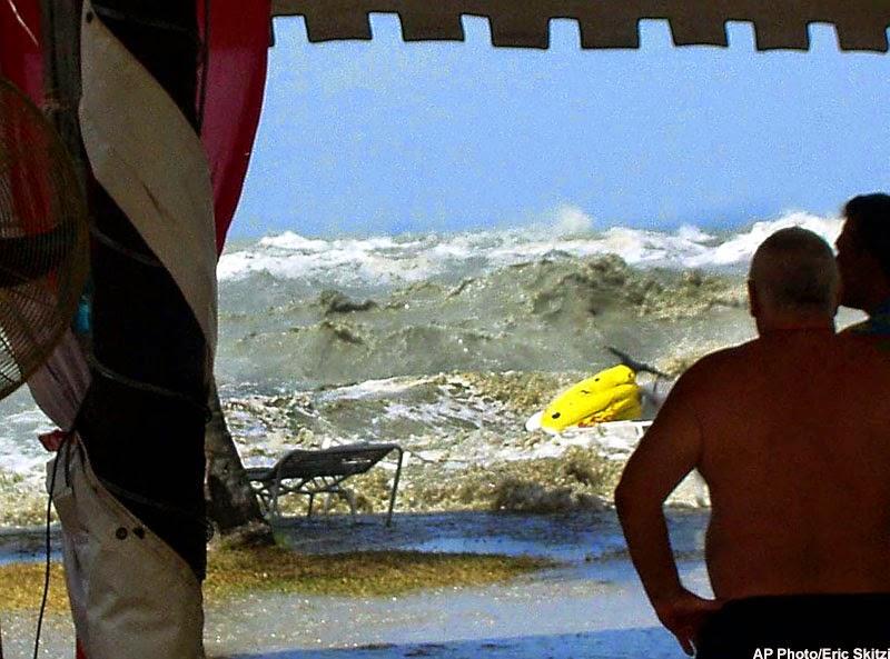 Gempa Bumi & Tsunami: Penyebab & Informasi