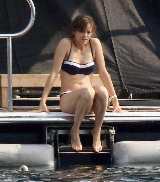 Actress Marion Cotillard Cleavage and Navel Actress Trend