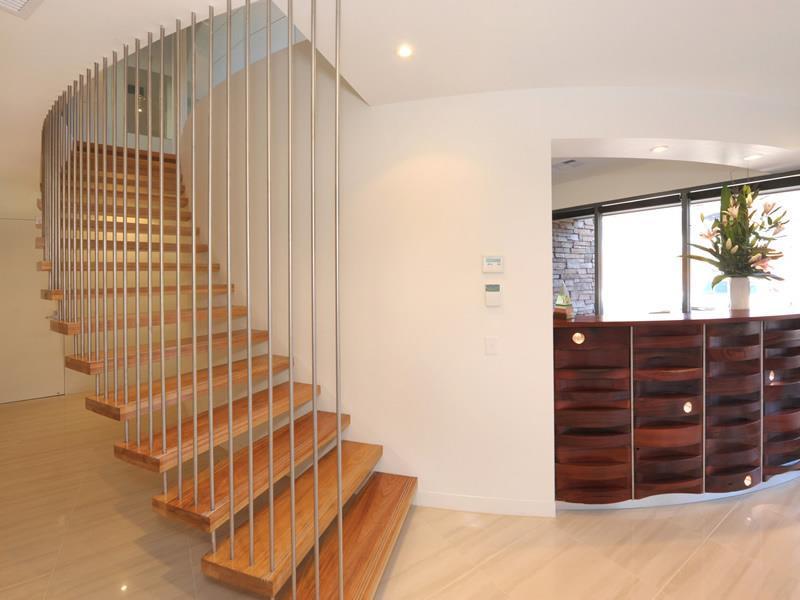 30 Desain Tangga Rumah Modern Mewah Anti Mainstream Rumahku Unik