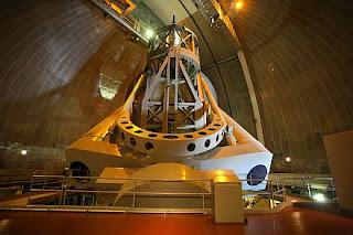 Ekogeo: teleskop : peneropong benda benda angkasa