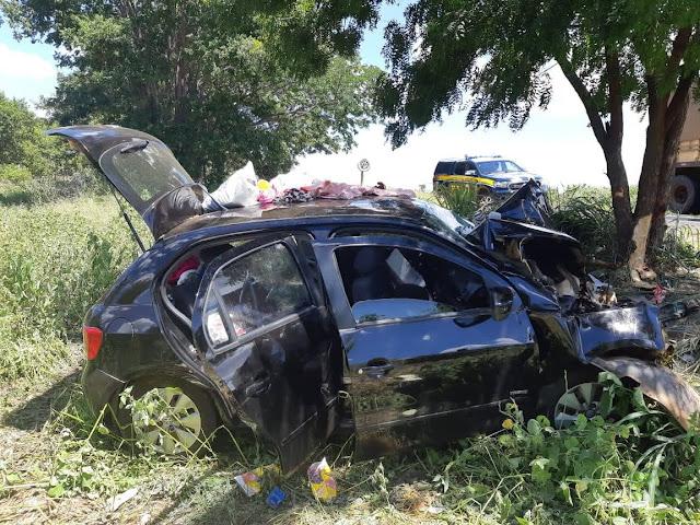 Grave acidente na BR-242 deixa uma pessoa morta