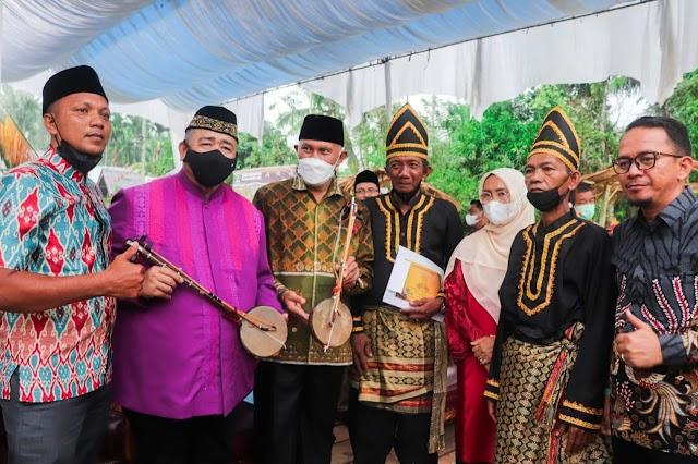 Gubernur Mahyeldi : Rabab/babiola Budaya Minang, Perlu Dilestarikan
