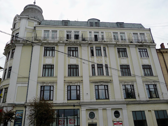 Черновцы. Бывший отель «Золотой лев»