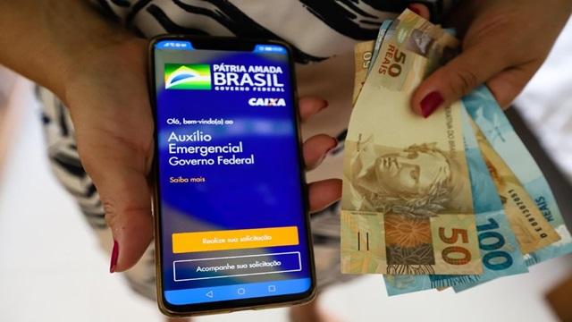 Auxílio Emergencial: 1,9 milhão de beneficiários do Bolsa Família recebem a 5ª parcela nesta segunda-feira; veja o calendário