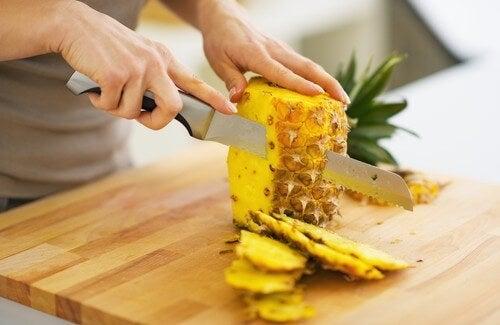 Dứa: Trái cây giảm cân và loại bỏ độc tố vô cùng mạnh mẽ