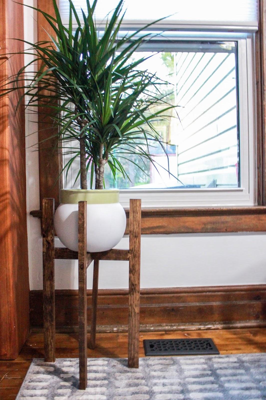 Mid Century Modern Plant Stand DIY