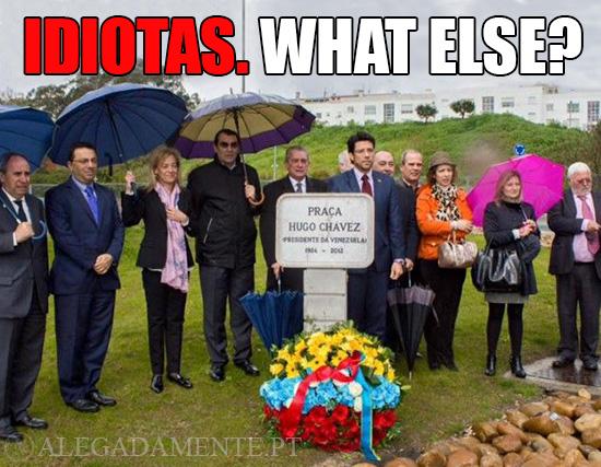 Imagem da Inauguração da Praça Hugo Chavez – Idiotas. What Else?
