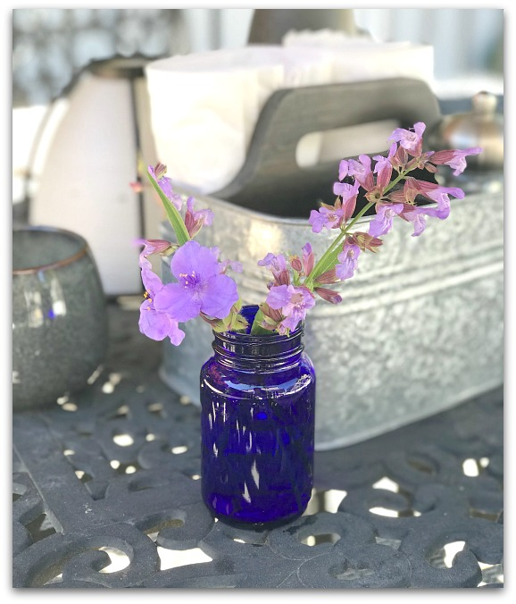 Easy Recycled Glass Jar Vase