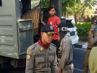 Ironis, Pengamen Angklung Dianiaya Satpol PP Kota Surabaya