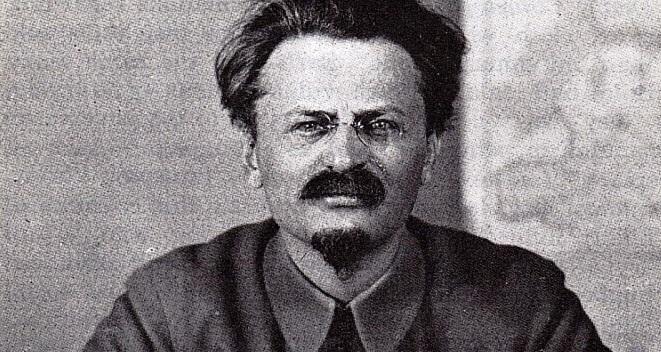 Λέων Τρότσκυ εγκληματίας από κούνια επέστρεψε στη Ρωσία για να κάνει την  Οκτωβριανή Επανάσταση