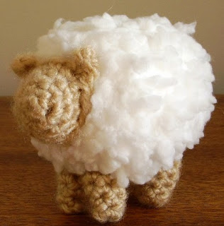 http://translate.google.es/translate?hl=es&sl=en&u=http://www.craftycattery.com/2013/01/amigurumi-nativity-crocheted-sheep.html&prev=search
