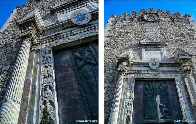 Detalhes da fachada da Catedral de Taormina