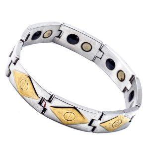 48d52cce4358 Las pulseras de cobre fueron utilizadas desde la antigüedad tanto por sus  atributos decorativos como por sus propiedades curativas