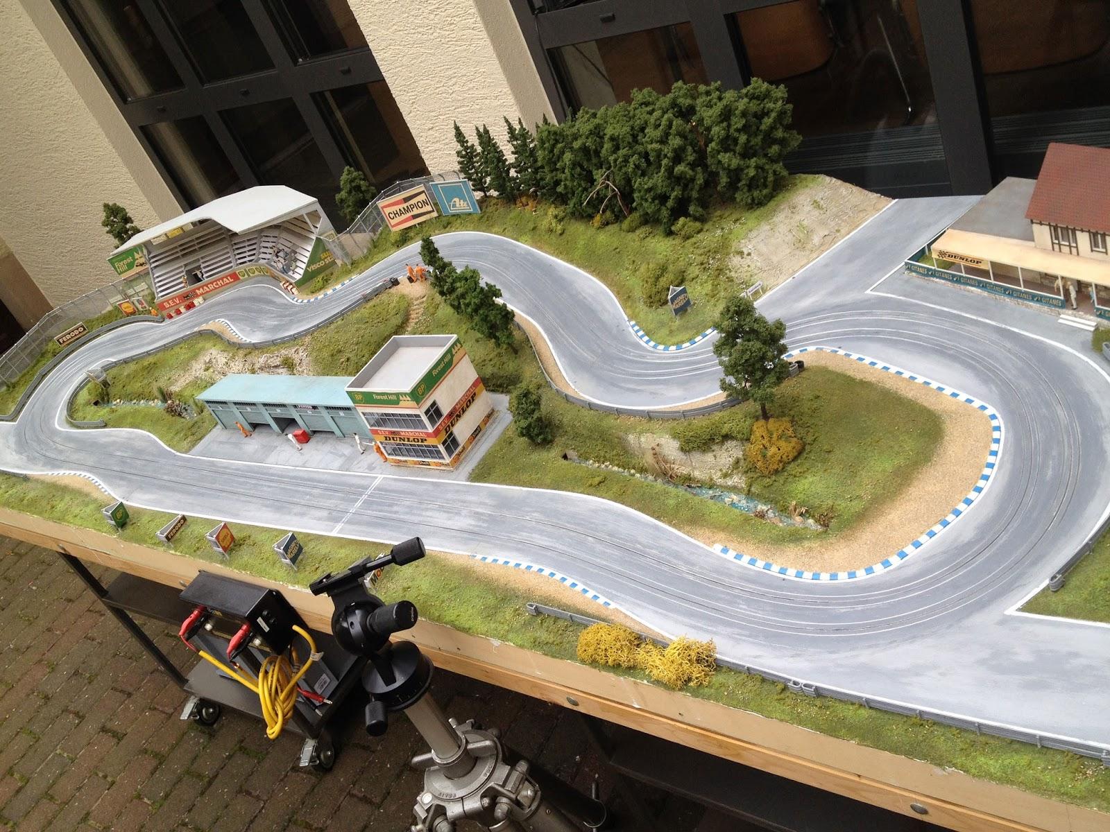Custom Ho Slot Car Track – PhoneNinja