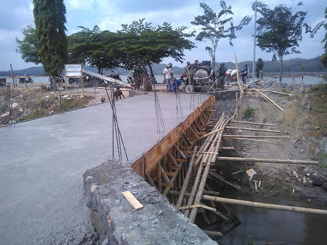 Mimpi Warga Miliki Jembatan Penghubung Jimbung Dengan Krakitan, Kini Jadi Kenyataan Berkat TMMD Reg 105 Kodim Klaten