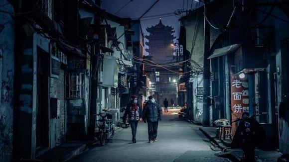 Thiên tai nhân họa: Người Vũ Hán bên bờ vực sụp đổ