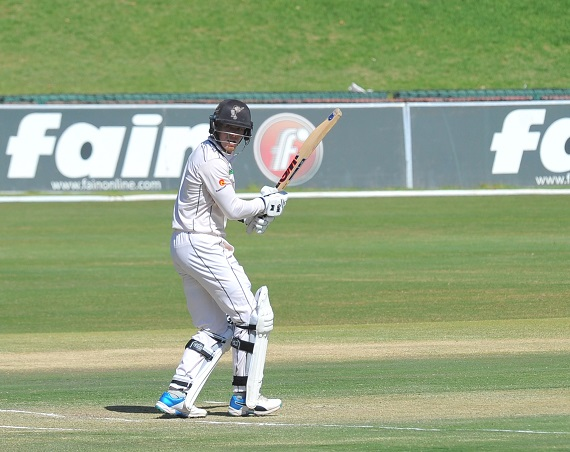 Grant Roelofsen of Hollywoodbets Dolphins batting against Titans