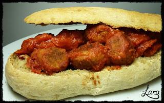 https://cucinaconlara.blogspot.it/2017/10/panino-etnico-con-polpette-di-melanzane.html