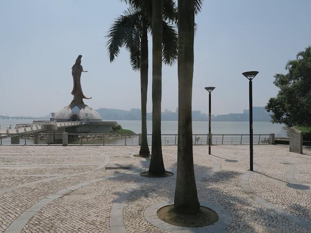 MACAU : guan yin Statue
