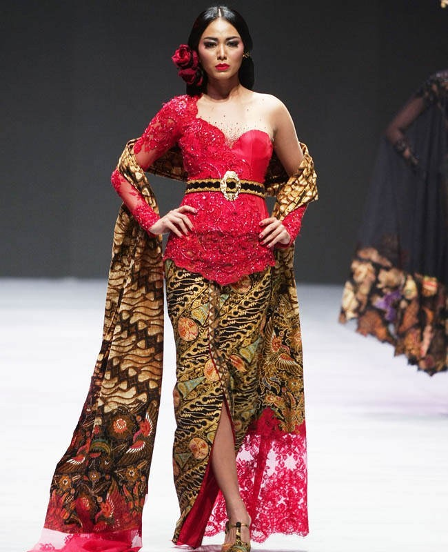 Model Kebaya Modern Merah One Shoulder