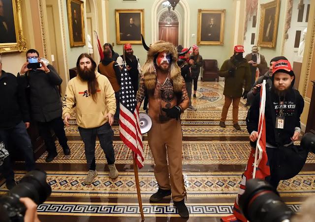 بالأسماء والصور مقتحمو مبنى الكونغرس الأمريكي