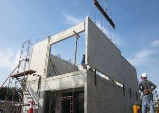 Dinding pracetak pada bangunan rumah