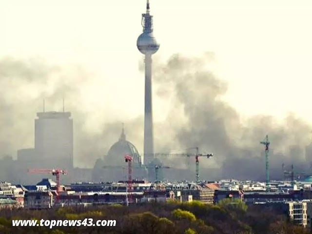 Fire In The Humboldtforum - Fire In The Berlin City Palace