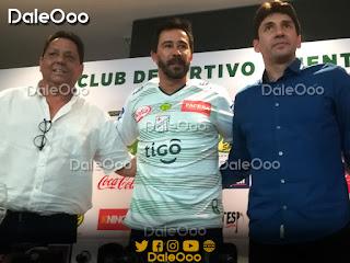 Ronald Raldes y Álvaro Velásco presentaron a Pablo Vitamina Sánchez como DT de Oriente Petrolero - DaleOoo