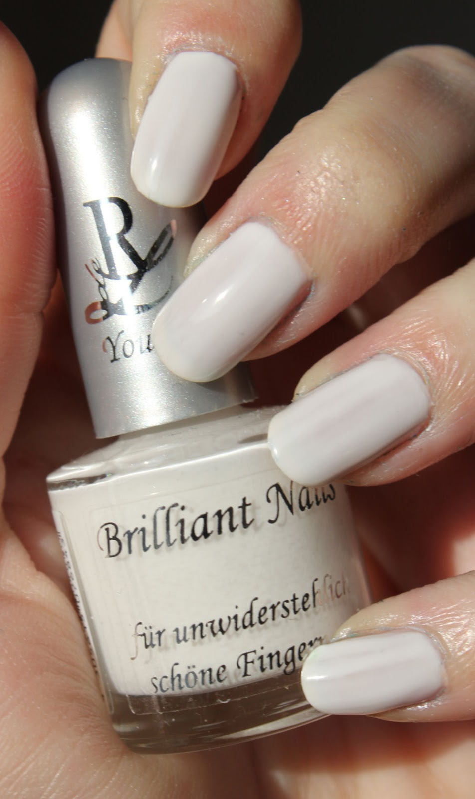 http://lacquediction.blogspot.de/2014/02/rival-de-loop-young-brilliant-nails-05.html
