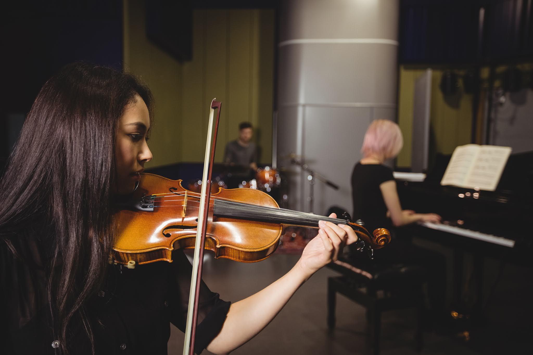 Học đàn Violon