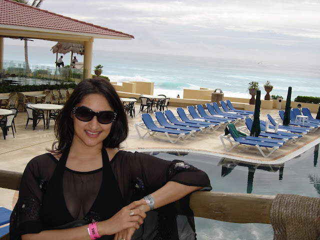 Indian-wife-on-honeymoon-trip-5