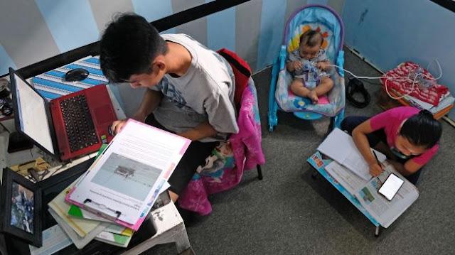 Materi Belajar di Rumah Terlalu Banyak dan Sulit Diserap Anak, Emak-emak Protes!