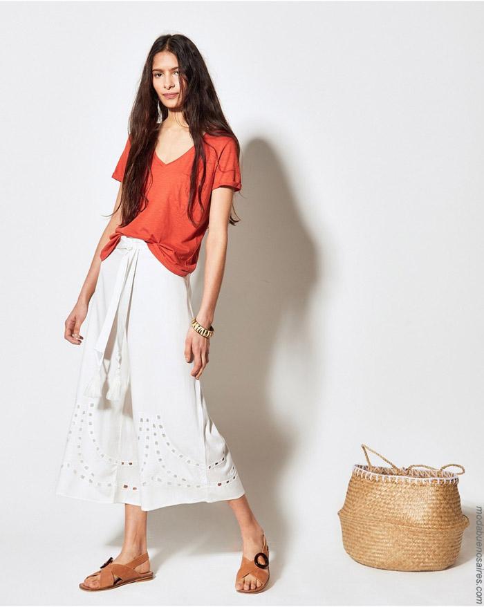 Remeras escotes v profundos primavera verano 2020 moda mujer.