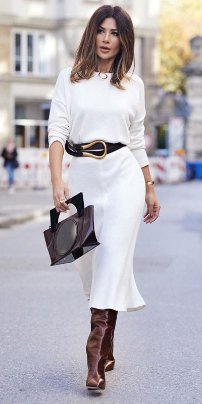 Look your best when you step out this holiday season. Here are 22 pure holiday style inspiration new ways to dress and impress in the upcoming christmas season. Holiday Fashion via higiggle.com | white skirt outfits | #fashion #holiday #skirt #sweater