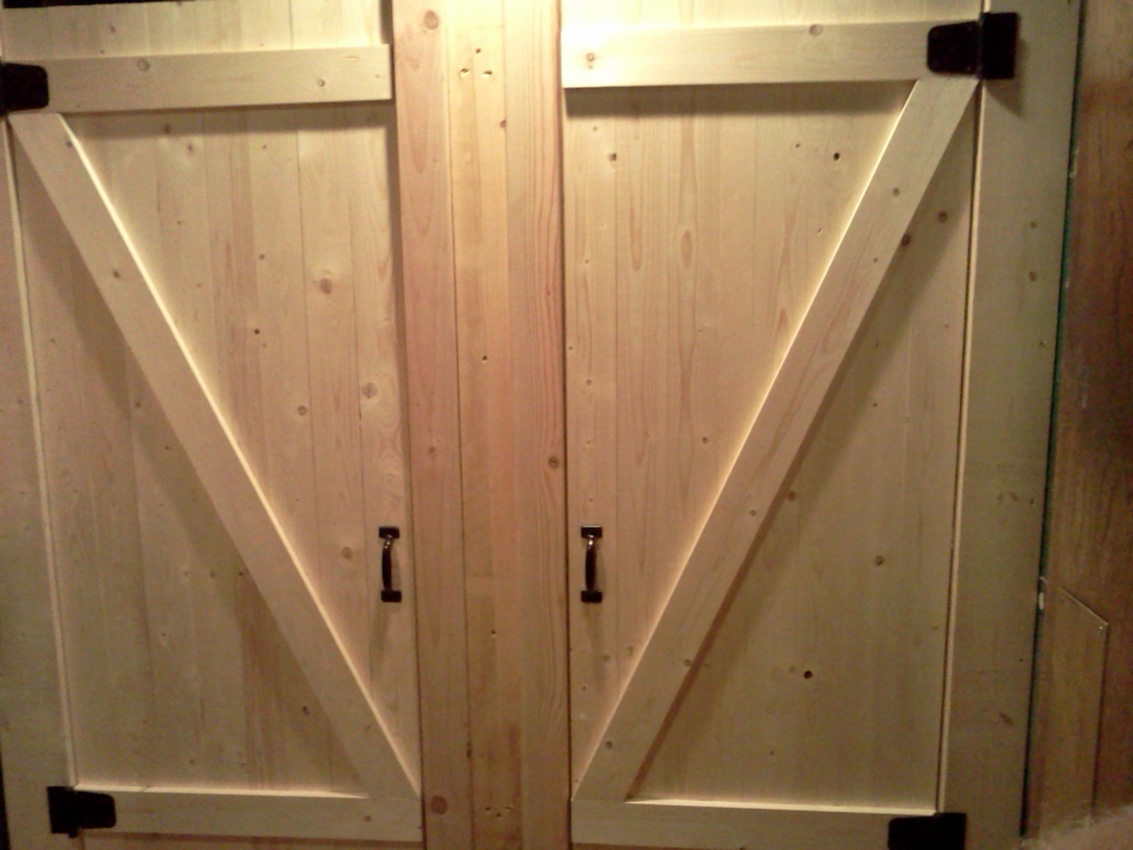 Renov8z: Commercial Bathroom Stall Doors