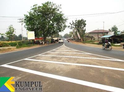 marka jalan putih, serong, marka diagonal