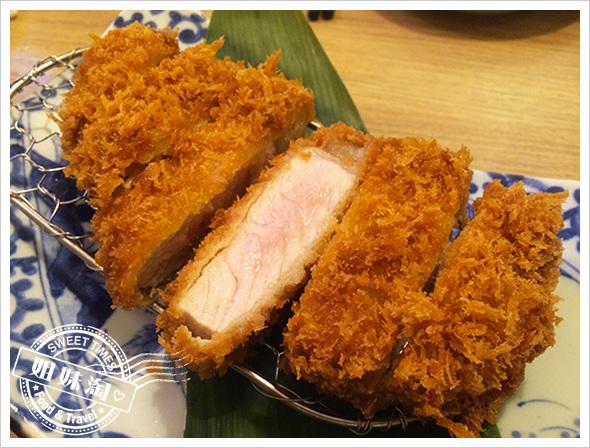 靜岡勝政日式豬排-極推芝麻醬加高麗菜絲