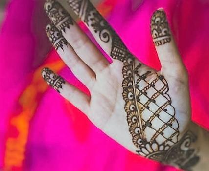 https://www.urbanclap.com/blog/weddings/latest-bridal-mehendi-design-trends-modern-bride/