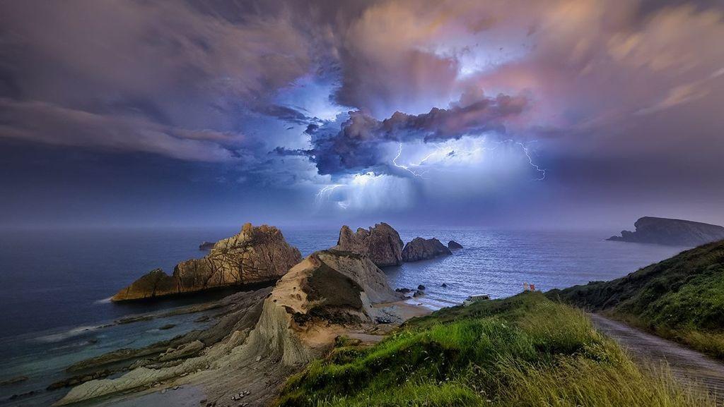 Nuvens em Formação de Tempestades