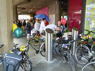 Southbank floral bicycle parade 4 on lambethcyclists.org.uk