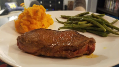 Dinnerly BBQ-spiced steak with mashed sweet potatoes and string beans