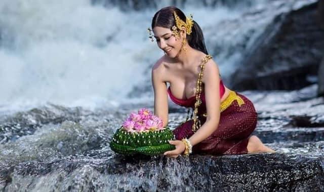 Mantra Sehari Hari Menurut  Hindu Beserta Artinya Yang Wajib Di Mengerti Oleh Semeton Hindu