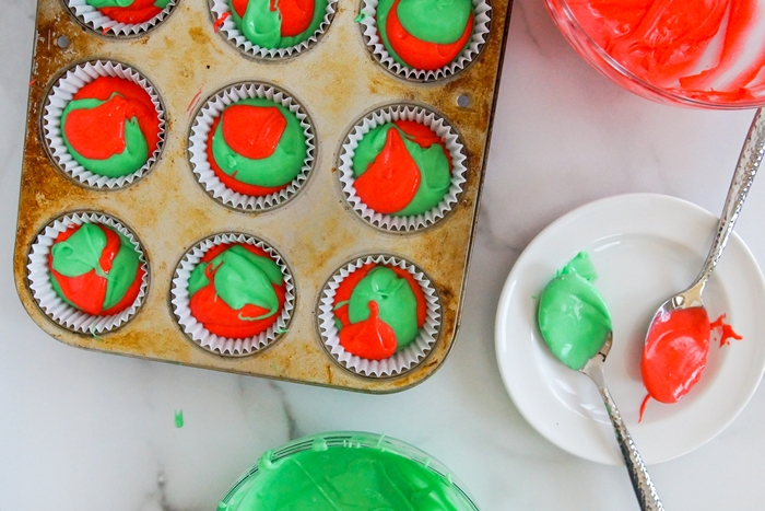 How to Marble Cupcakes