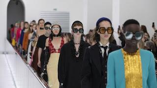 5 show thời trang gây tranh cãi nhất tại tuần lễ thời trang Milan! Từ điều được coi là quá thô tục đến phân biệt chủng tộc