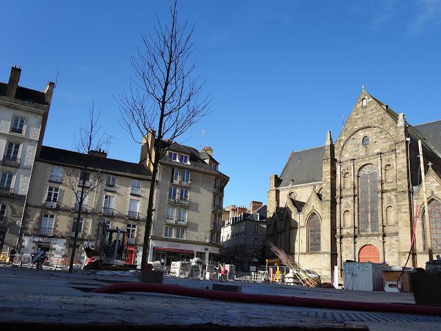 Les nouveaux arbres de la Place Saint-Germain : des érables... (15 Décembre 2020)
