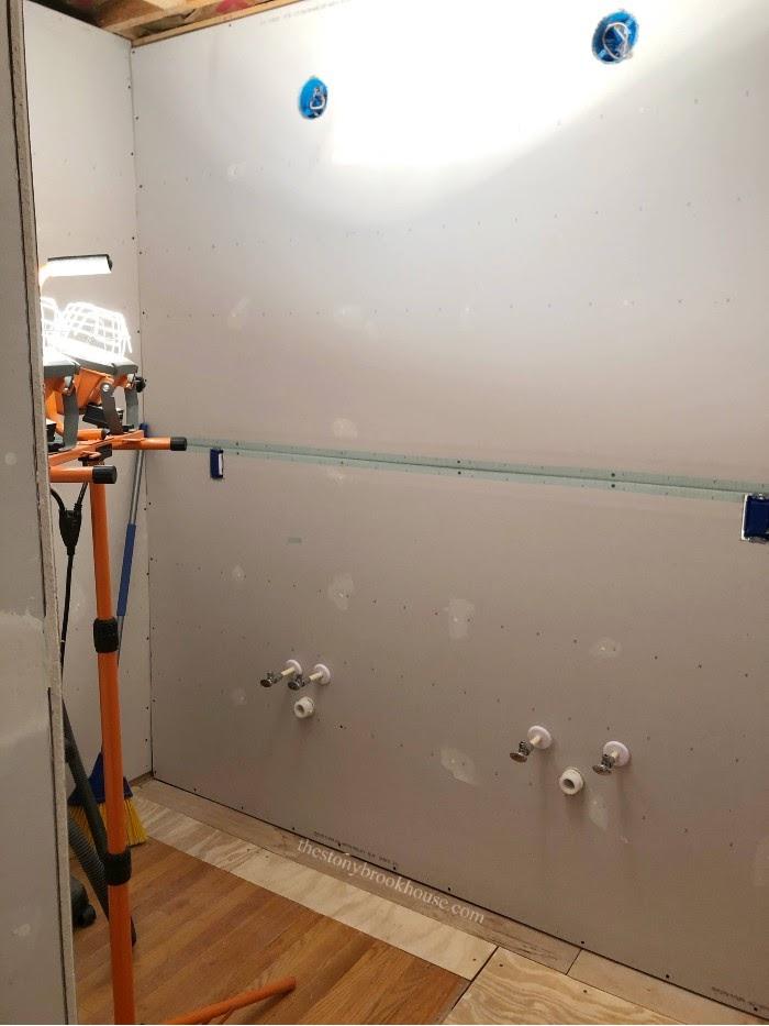 Adhesive mesh tape