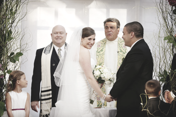 If You Or A Loved One From Jewish Background Is Planning Wedding Probably Have Tons Of Questions What Are The Components