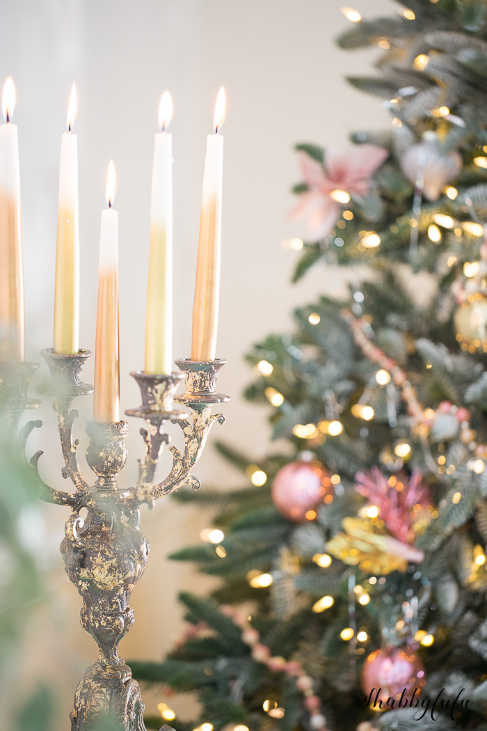 gold-candelabra-christmas